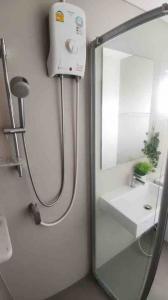 For RentCondoRama3 (Riverside),Satupadit : Condo for rent Lumpini Place Ratchada-Sathu Type 3 bedroom 2 bathroom Size 60.06 sq.m. Floor : 28