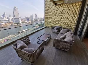 เช่าคอนโดวงเวียนใหญ่ เจริญนคร : Magnolia Waterfront Residences For rent 3Bed 3Bath well Decorate.