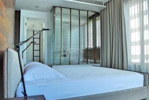 For RentCondoWitthayu,Ploenchit  ,Langsuan : Condo for rent 185 Rajdamri 2 bedrooms 2 bathrooms beautiful room good price