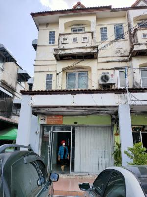 ขายตึกแถว อาคารพาณิชย์นวมินทร์ รามอินทรา : ขายให้เช่าอาคารพาณิชย์ 3 ชั้น หมู่บ้าน เค.ซี รามอินทรา 1    081-6464145