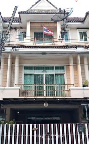 For RentTownhouseChengwatana, Muangthong : : Rent a village Nawanit. Chaengwattana 3 bedrooms, 3 bathrooms. Close to Central