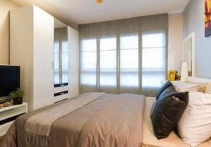 For SaleCondoRatchadapisek, Huaikwang, Suttisan : ✅ Sell The Niche Ratchada - Huai Khwang near MRT, size 35.20 sq m, complete with furniture and appliances ✅