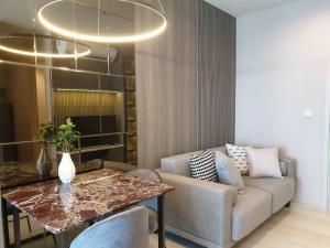 For RentCondoWitthayu,Ploenchit  ,Langsuan : Life One Wireless Condo for rent Hight Floor and beautiful room