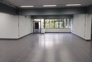 เช่าสำนักงานพระราม 9 เพชรบุรีตัดใหม่ : For Rent ให้เช่าสำนักงาน ชั้น 2 พื้นที่ 350 ตารางเมตร อาคารวรสุบิน พระราม 9 ใกล้ โรงพยาบาลพระราม 9 ห่าง MRT Rama 9 ประมาณ 800 เมตร