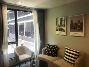 For RentCondoSukhumvit, Asoke, Thonglor : 📌 [Condo for rent] Ideo Mobi Sukhumvit 40 lowest price. Electrical appliances Fully furnished, 35 sq m, fully built in, near BTS Thonglor and Ekamai