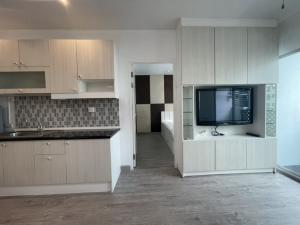 For SaleCondoRama9, RCA, Petchaburi : Sell and rent 18K : A Space Asoke - Ratchada, 2 bedrooms, 2 bathrooms, beautiful room, high floor, contact 095-249-7892