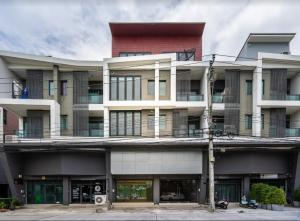 For SaleShophouseNawamin, Ramindra : # Urgent sale, commercial building, 2 booths, 4.5 floors, directly beside the Sai Mai district office Sukhaphiban 5 Road, new condition, beautiful, price, can talk if really interested