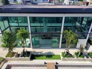 For RentOfficeKaset Nawamin,Ladplakao : For rent, 2-storey home office building, usable area 126 sq m, 1 bathroom, air-condition, furniture, Kaset Nawamin Road, Soi Prasert-Manukit-Mayilath, rental price 75,000 baht / month