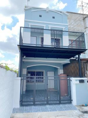 For SaleTownhouseBangbuathong, Sainoi : 🔰 Pichada Village, Plot Rim, There is a terrace in front of the house, good wind. Newly renovated second-hand houses are ready.