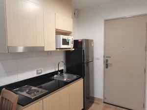 For SaleCondoRatchadapisek, Huaikwang, Suttisan : This plan has one room, renovated, beautiful, good position, pool view. Make an appointment to see every day. Hurry to sell.