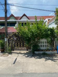For SaleTownhouseSamrong, Samut Prakan : House for sale, 2-storey townhouse, 27 square meters, renown, then on Praksa Road, very cheap, only 2.6 million baht !!