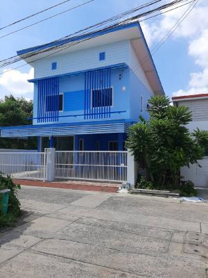 For SaleHouseBang kae, Phetkasem : Detached House 2.9 million, Detached House 2 floors, Bang Phai, Bang Khae, 26 sq m. 3 bedrooms, 2 bathrooms, new paint, beautiful, lots of usable space. Sirikasem, cheap price 2.9 million, free transfer, 3 bedrooms, 2 bathrooms