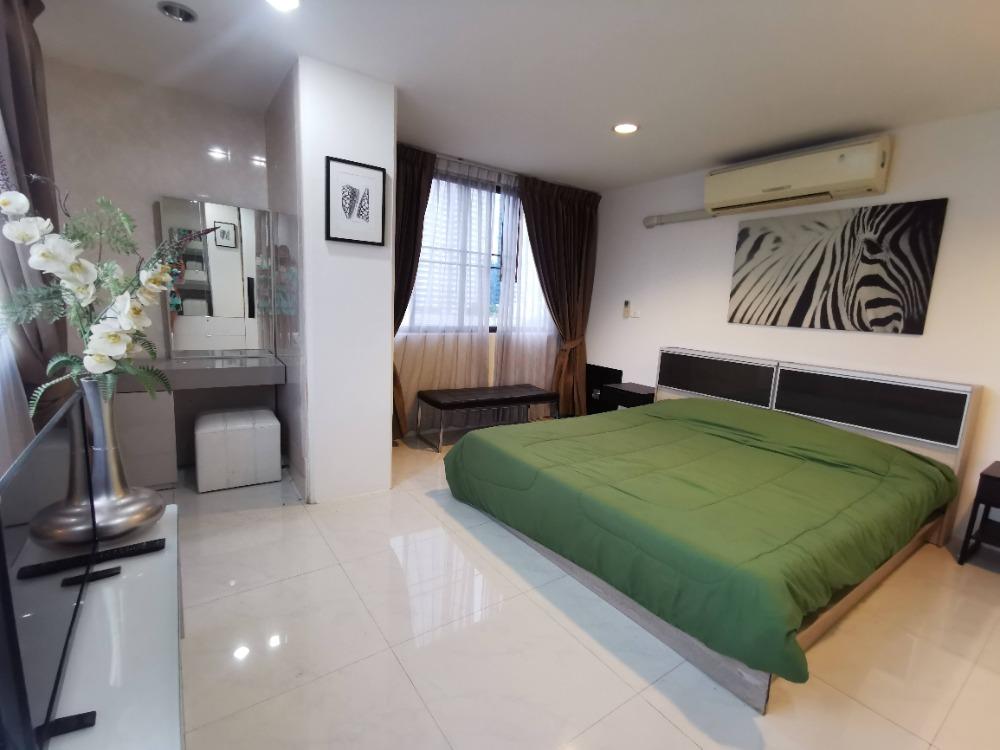 For SaleCondoWitthayu,Ploenchit  ,Langsuan : Condo for sale, Park Ploenchit, 2 bedrooms, sold below market, corner unit Park ploenchit.
