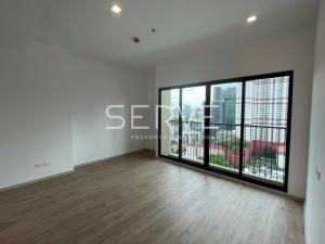For SaleCondoRatchathewi,Phayathai : Corner 1 Bed With Bathtub Unit For Sale // Good Location Close To BTS Phaya Thai // Noble Revent Condo For Sale