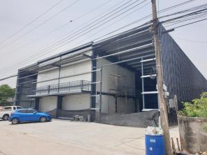 For RentWarehouseRangsit, Patumtani : Warehouse and office for rent, area 940 sq m, Lam Luk Ka Khlong 4, Pathum Thani.