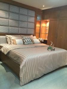 For SaleCondoRatchadapisek, Huaikwang, Suttisan : Condo for sale Ratchada City Condo fully furnished.