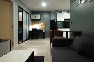 For RentCondoRangsit, Patumtani : For rent Kave opposite Bangkok University, 3rd floor, Building B, 2 bedrooms, 38 sqm.