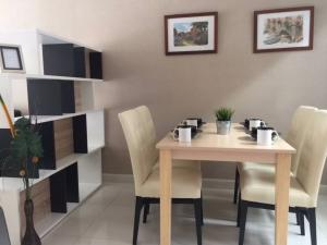 For RentTownhouseOnnut, Udomsuk : For rent, 3-storey townhome, fully furnished, The Private Sukhumvit 77, On Nut Soi 39, can make a home office