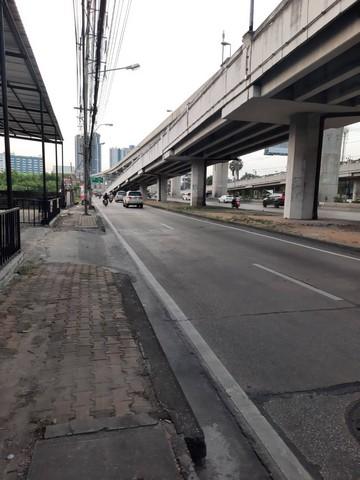 For RentLandRattanathibet, Sanambinna : Land for rent on Rattanathibet road, area 2-1-11 rai with buildings. Near MRT Intersection Nonthaburi 1