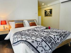 เช่าคอนโดอ่อนนุช อุดมสุข : Siamese 48 ( คอนโดห้อง Duplex ✨สุดฮอท ห้องสวยมาก ห้องใหม่เอี่ยม แกะกล่อง) 🔥