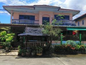 For RentHouseLadkrabang, Suwannaphum Airport : ให้เช่า บ้านเดี่ยว2ชั้น 60ตรว. ถนน เฉลิมพระเกียรติ.67 อยู่ใกล้ ร.ร.นานาชาติแพนเอเซีย ,สวนหลวง ร.9 ราคาต่อรองได้  ให้เช่า23,000/เดือน