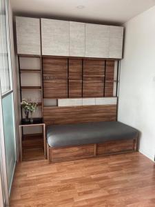 For RentCondoBang kae, Phetkasem : For rent Lumpini Ville Ratchapruek-Bangwaek. Appliances in the room and furniture are ready.