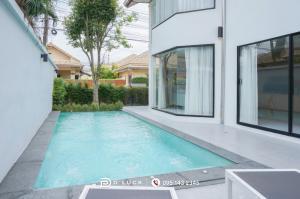 For SaleHousePattaya, Bangsaen, Chonburi : House for sale Pool villa Renovate new livable.