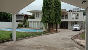 เช่าบ้านสุขุมวิท อโศก ทองหล่อ : LBH0118 ให้เช่าบ้านเดี่ยวรีโนเวทใหม่ พร้อมสระว่ายน้ำ ซอยสุขุมวิท 49/14 ย่านทองหล่อ
