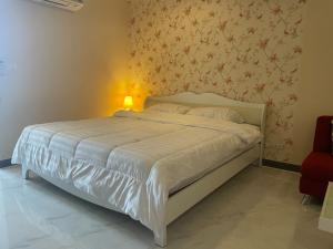 For RentCondoOnnut, Udomsuk : Condo for rent Regent Home 9 Sukhumvit 64 fully furnished (Confirm again when visit).