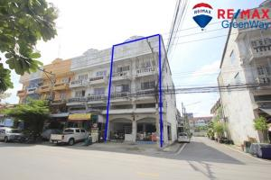 For SaleShophouseNakhon Pathom, Phutthamonthon, Salaya : Commercial building for sale, Phutthamonthon Sai 5, Sivarat 3 Village, to fill the main road, corner room, 4 floors, 2 double rooms through each other Trading location 5.2 million