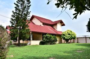 ขายบ้านระยอง : ขาย บ้านเดียว 2 ชั้น พร้อมสนามกว้าง ที่ดิน 253 ตรว ม. บ้านฉางโฮมวิลเลจ 3นอน3น้ำ ราคาพิถูก