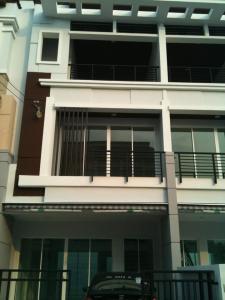 For RentTownhouseRama5, Ratchapruek, Bangkruai : BH982 Townhome for rent, 3 floors, 3 bedrooms, 3 bathrooms, Baan Klang Muang. Sathorn-Ratchaphruek Soi 6, near Bang Wa BTS station