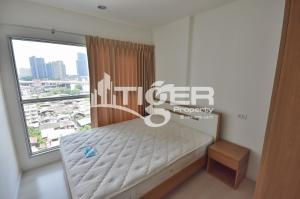For RentCondoOnnut, Udomsuk : USCR20 This fully furnished, 1-bedroom / 1-bathroom unit for rent at Aspire Sukhumvit 48, includes a balcony and 1x parking space.