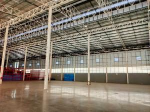 For RentWarehouseBang Sue, Wong Sawang : BST112 Warehouse for rent at Prachachuen 1,800 sq m, near Kasemrad Hospital, Prachachuen. Expressway up and down points, Bang Sue District