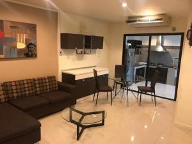 For RentTownhouseKaset Nawamin,Ladplakao : 3-storey townhome for rent Areeya Movalad Pla Khao, Kaset Nawamin, beautiful decoration, fully furnished