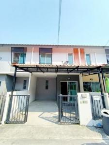For SaleTownhouseSamrong, Samut Prakan : Townhome for sale, Baan Pruksa 87/2 Srinakarin-Bangna, 3 bedrooms, 2 bathrooms.