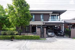 For SaleHouseBang kae, Phetkasem : House for sale Manthana. Kanlapapruek - Kanchanaphisek Ring Road, near MRT Lak Song, area 89 sq.wa.