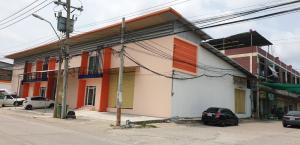For RentWarehouseSamrong, Samut Prakan : Warehouse, size 246 square meters, available 1 unit for rent. Interested in asking? Pracha Uthit 90.