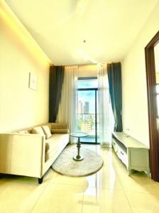 For SaleCondoOnnut, Udomsuk : Condo for sale ** Corner room Ceiling height 3m. *** !! Near BTS On Nut Mayfair Place Sukhumvit 50 Condo Mayfair Place Sukhumvit 50