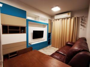For RentCondoRama 2, Bang Khun Thian : Condo for rent, Ease Rama 2 (EASE Rama II), corner room, 2 bedrooms, 45 sqm., 8th floor, pool view, near Central Rama 2.