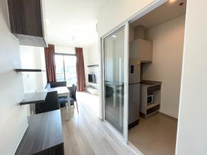 For SaleCondoRatchadapisek, Huaikwang, Suttisan : Sell / rent Centric Ratchada-Huai Khwang, 1 bedroom, 32 sqm., Next to MRT Huai Khwang, very good price.