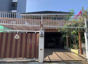 For RentHouseKasetsart, Ratchayothin : Single house, Soi Phahon Yothin 35, near BTS Ratchayothin, for rent !!