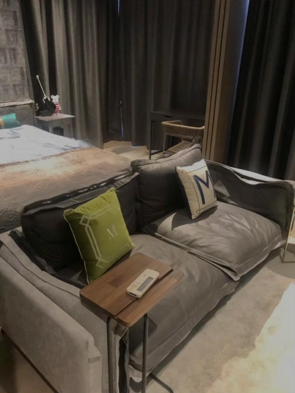For RentCondoSilom, Saladaeng, Bangrak : Ashton silom, 1 bedroom size 50 sqm, good price.