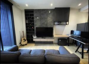 เช่าคอนโดพระราม 9 เพชรบุรีตัดใหม่ : For Rent ASHTON ASOKE - RAMA 9 ONE bed ห้องหัวมุม @JST Property.