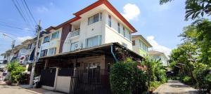 For SaleTownhouseRattanathibet, Sanambinna : 3-storey townhouse for sale (behind the corner), Supalai Ville Village, the best location near the expressway MRT Nonthaburi Government Center!