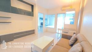 For RentCondoRatchadapisek, Huaikwang, Suttisan : For rent, The Room Ratchada-Ladprao, cheap condo 12,000 baht.