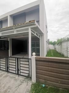 For SaleTownhouseRama 2, Bang Khun Thian : Sell townhome behind the corner. Habitown Nest Tha Kham - Rama 2 Project