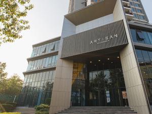 For SaleCondoRatchadapisek, Huaikwang, Suttisan : Great value !! Duplex Penthouse, last room, 7X per square meter, XXX baht. New building, new room !!