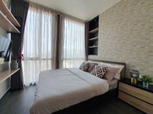 For RentCondoSukhumvit, Asoke, Thonglor : Urgent Rent ++ High Floor ++ Good Decor ++ Lofts Ekkamai ++ BTS Ekkamai ++ Available @ 52000 Negotiable 🔥🔥