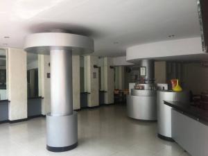 ขายตึกแถว อาคารพาณิชย์พระราม 8 สามเสน ราชวัตร : ขาย/เช่า ตึก 4 ห้องติดถนนสามแยกพิชัย ใกล้ Supreme Samsen เนื้อที่ 55 ตรว. ขนาด 4 ห้อง เหมาะทำร้านอาหารและออฟฟิต เคยเปิดเป็นร้านอาหาร